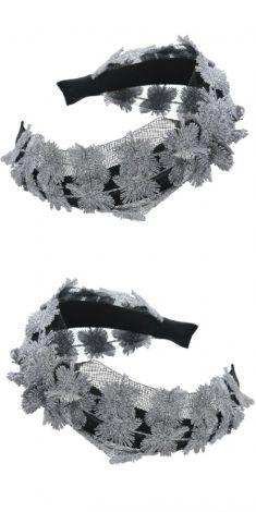 Bentita neagra cu dantela argintie si neagra