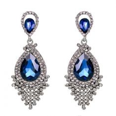 Cercei cu strasuri argintii si cristale albastre