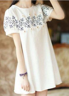 Rochie/bluza alba de gravide cu model brodat