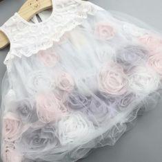 Rochita alba cu flori albe, crem si gri