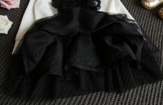 Rochita alba cu negru