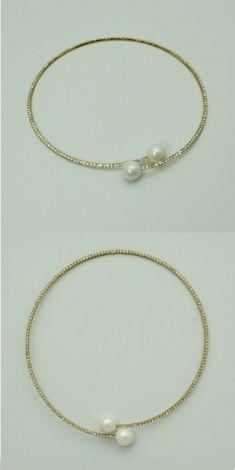 Colier auriu cu strasuri si perle