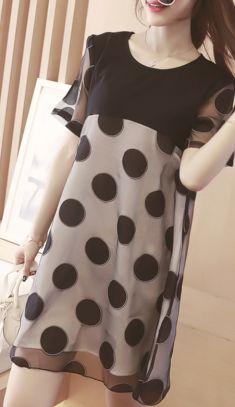 Rochie alba cu buline negre