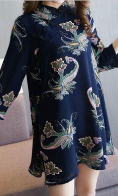 Rochie bleumarin cu imprimeuri