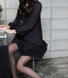 Rochie de culoare neagra cu maneca lunga