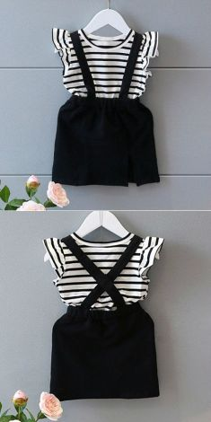 Rochita cu bretele negre