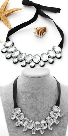 Colier cu cristale argintii