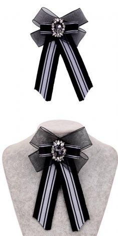 Papion negru/Brosa neagra cu strasuri si cristal gri