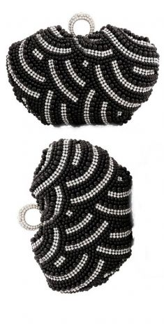 Plic cu perle negre si strasuri