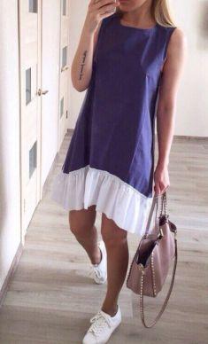 Rochie albastra cu volan alb