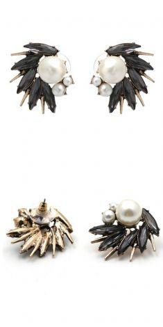 Cercei aurii cu cristale gri si perle