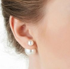 Cercei cu doua perle albe
